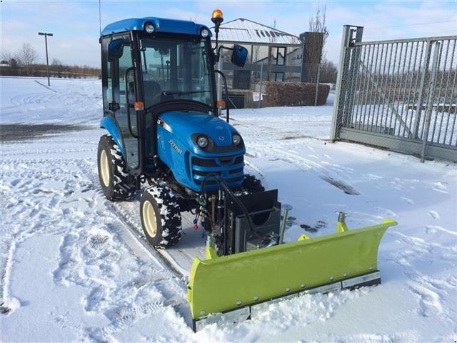 LS Traktor J27 HST